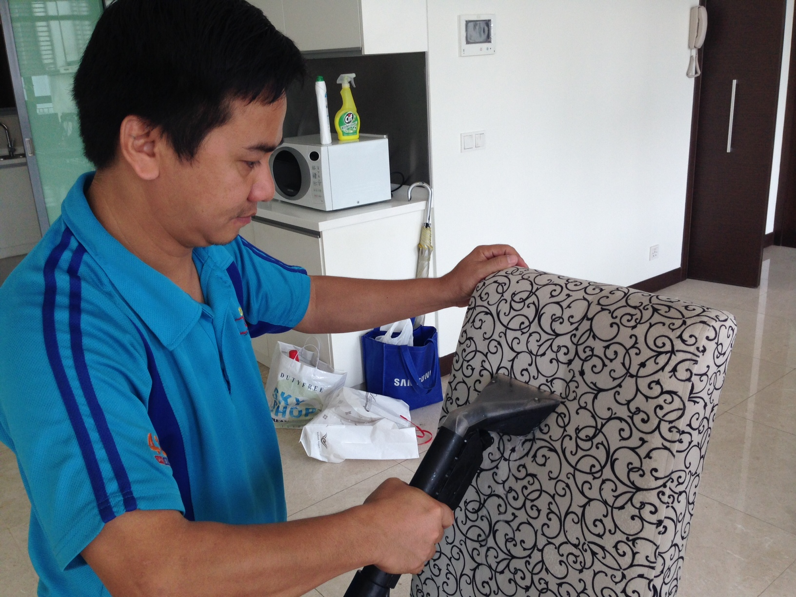 Chair Cleaning_Look