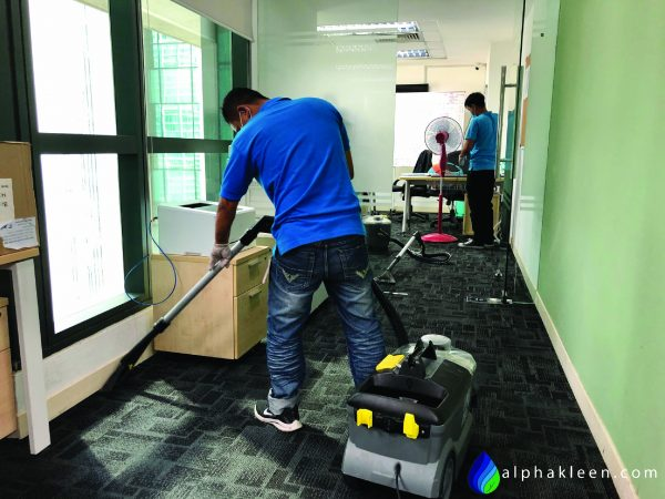 Office Carpet Cleaning 2-01